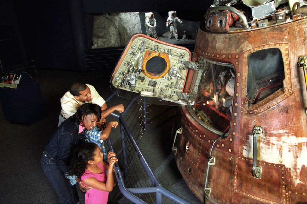inside apollo capsule houston - photo #1