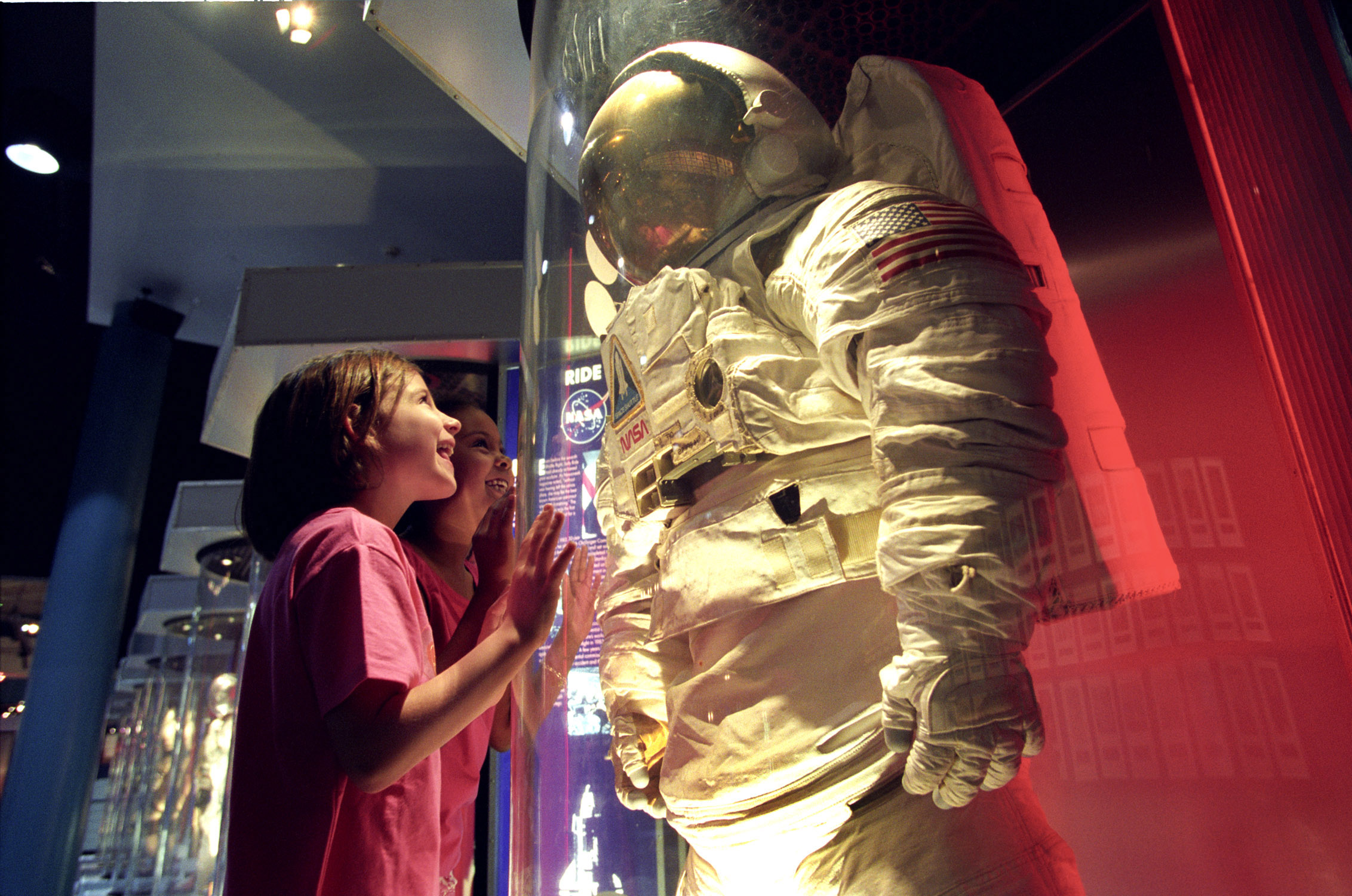 Space Center Houston | Girls-Space-Suits