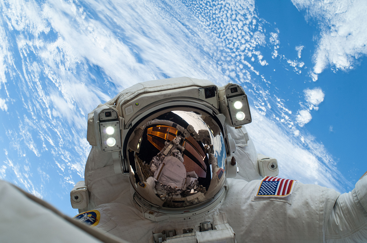 astronaut and spaceship - photo #39