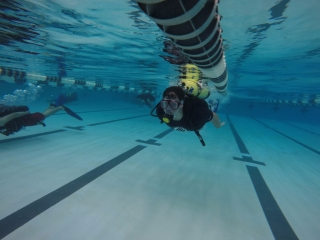 Students get used to the dive equipment