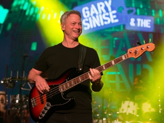 Gary Sinise performs.