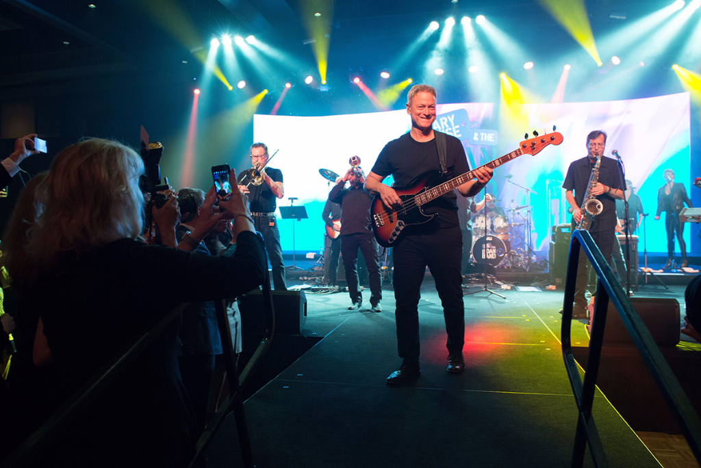 Gary Sinise and the Lt. Dan Band hit the stage.