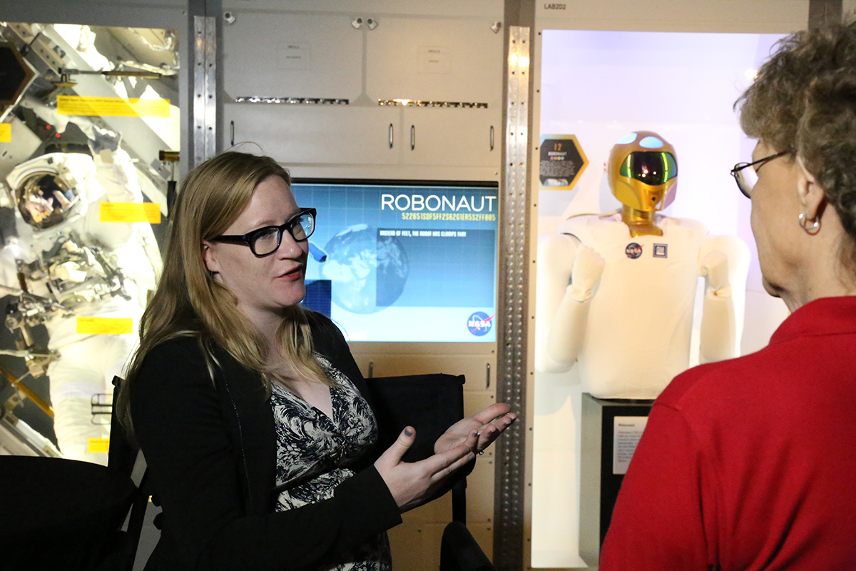 NASA experts answer questions for Space Center Houston visitors