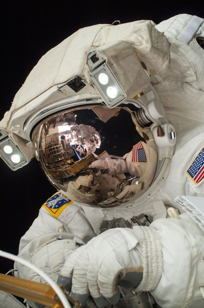 Astronaut Mike Hopkins will fly with the Commercial Crew Program