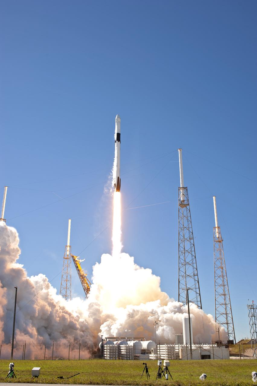 Space Center University Student Experiments Go to Space