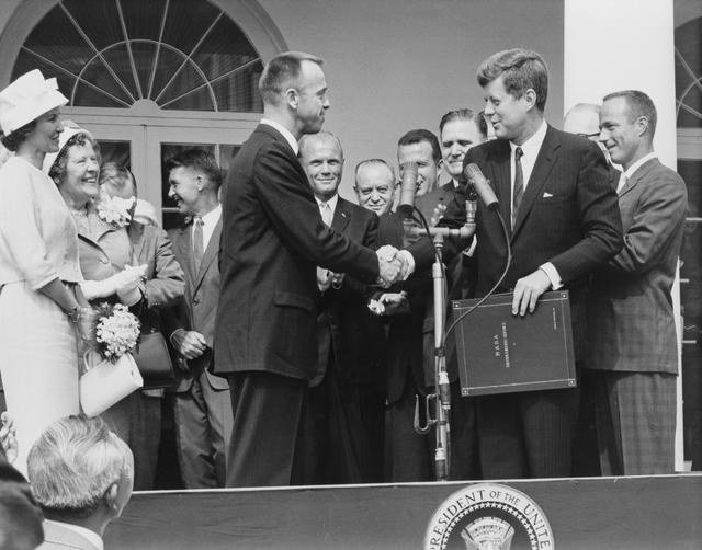 Astronaut Alan Shepard meets with President Kennedy