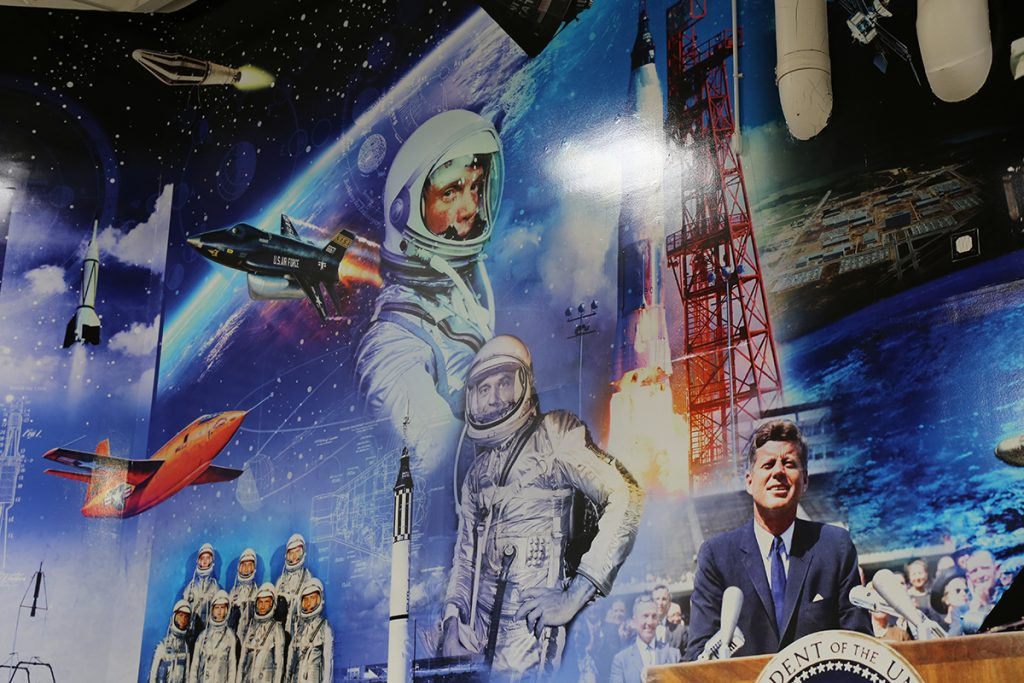 New mural highlights space exploration