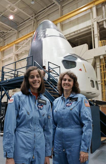 Barbara Morgan and Christa McAuliffe training