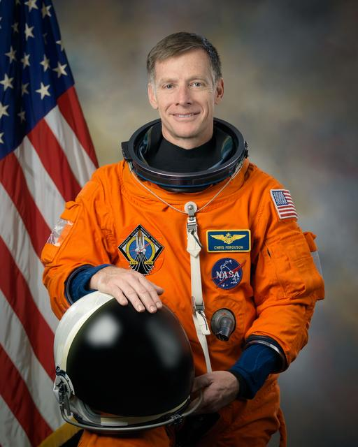 Chris Ferguson official astronaut portrait.