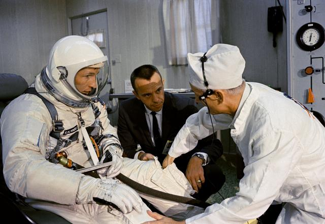 Ed white suits up before his Gemini-4 launch