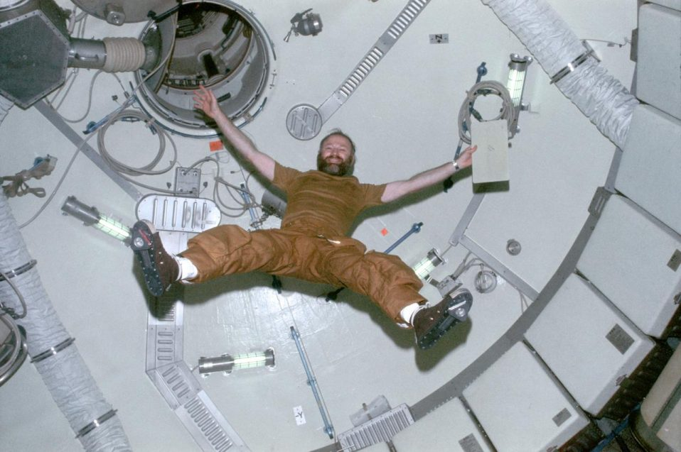 Carr demonstrates the effects of zero-gravity