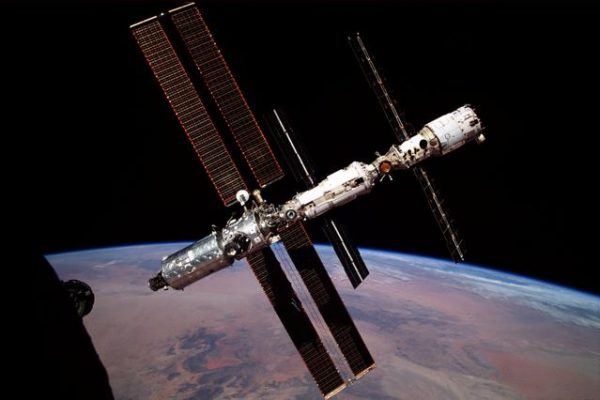 Expedition 1 ISS