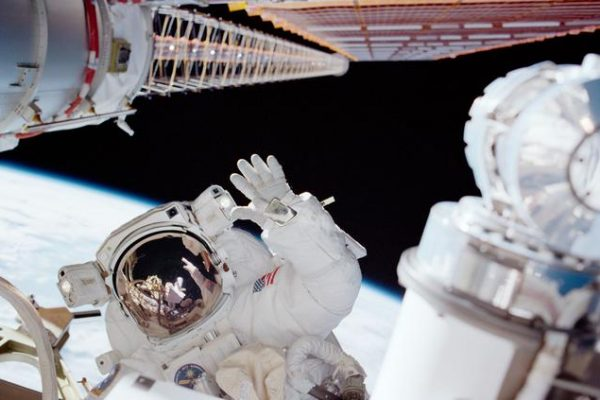 STS-97 spacewalk