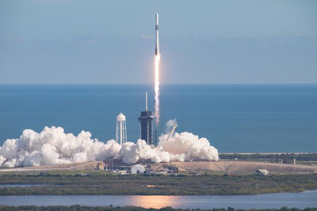 SpaceX CRS-21 launch