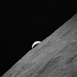 """""""Earthrise"""" as viewed by the Apollo 17 spacecraft in lunar orbit"""
